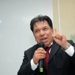 Lic. Carlos Flores